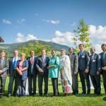 "The participants of the high-level retreat on ""New Ideas for a Fair Globalisation"" (c) Luiza Puiu / European Forum Alpbach"